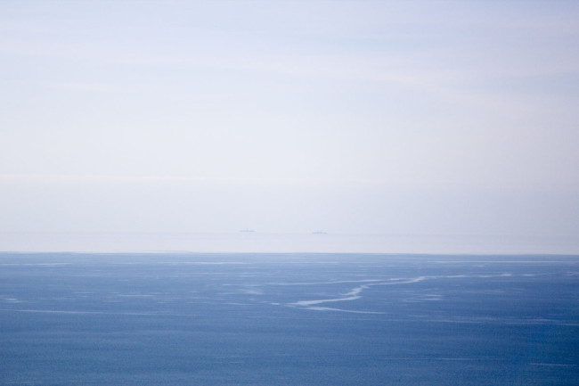зимнее море за окном